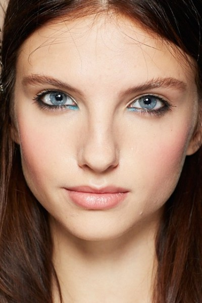 Blue-eyeshadow-1-vogue-29Jan14-bourjois_b_426x639