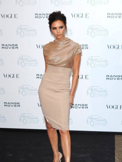 victoria_beckham_wearing_a_dre