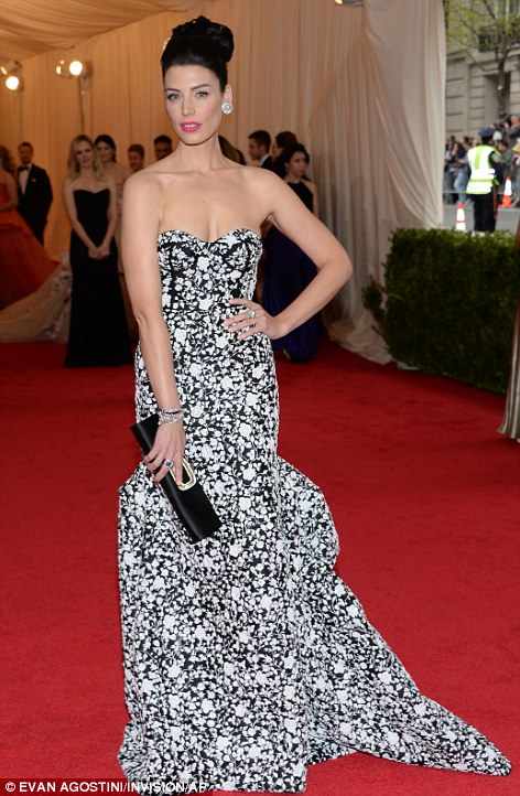 jessica pare in michael kors