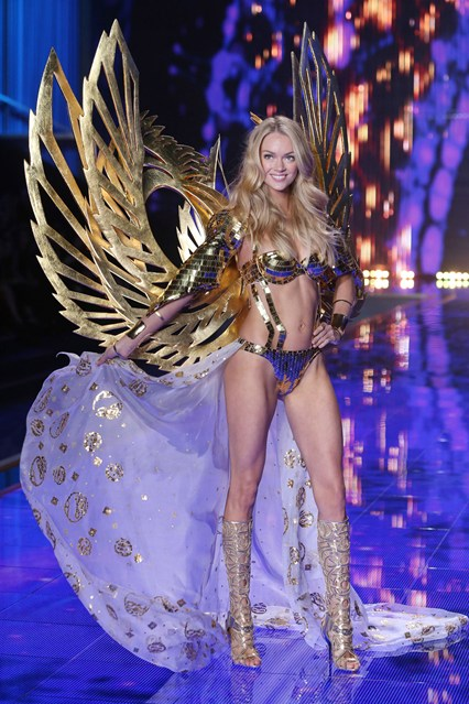 vs-catwalk-10-2dec14-pa_b_426x639