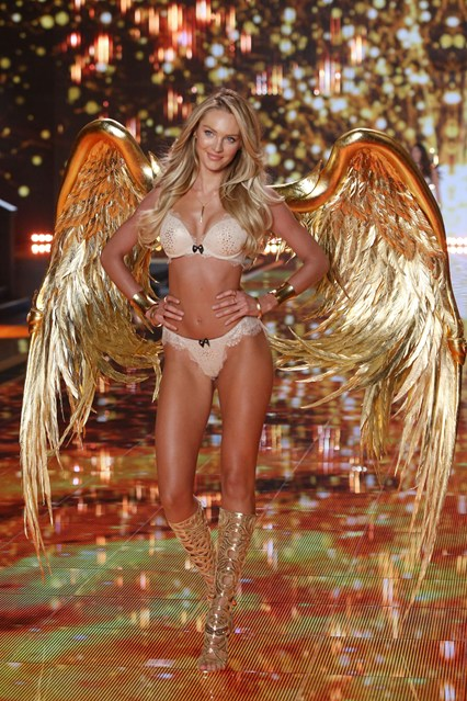 vs-catwalk-3-2dec14-pa_b_426x639